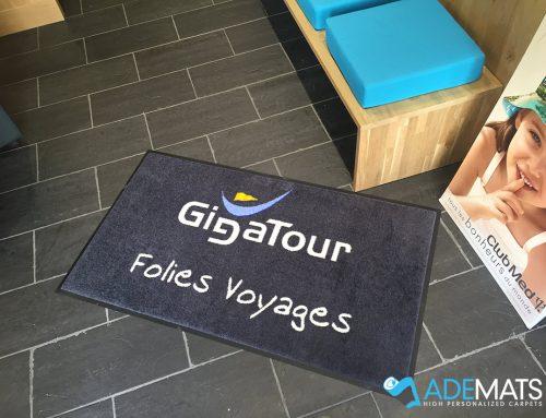 Tapis personnalisés pour 2 agences de voyage à Comines